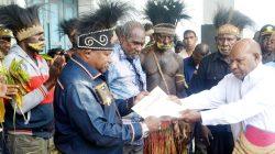 Frederikus Gebze Selaku Insiator Kursi Adat Di DPR Papua, Apresiasi UU Otsus Jilid lI