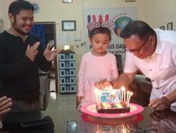 Ketua IWO Soppeng Beri Surprise Noya Jafar Jef di Hari Ulang Tahun ke-4