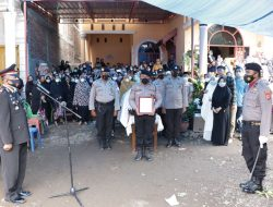 Jenazah Ipda (Purn) Amiruddin Manne Dilepas dengan Upacara Kedinasan